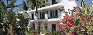 Madeira-Hotel-Residencial-Vila-Camacho-04.jpg